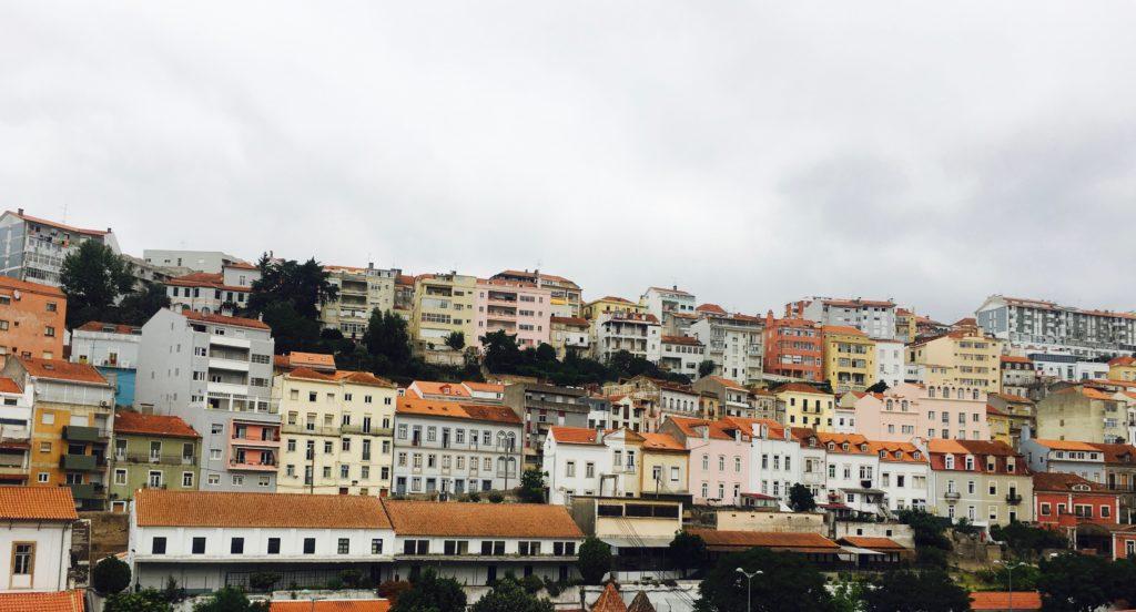 Itinéraire au Portugal Hors des Sentiers Battus | Façades colorées de Coimbra