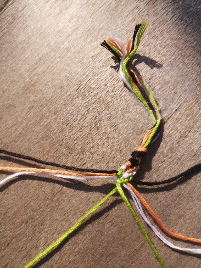 Etape 13 : Comment faire des bracelets brésiliens ?