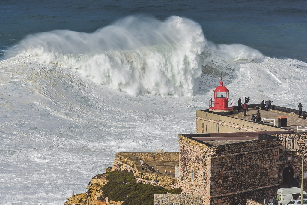 Nazaré vague