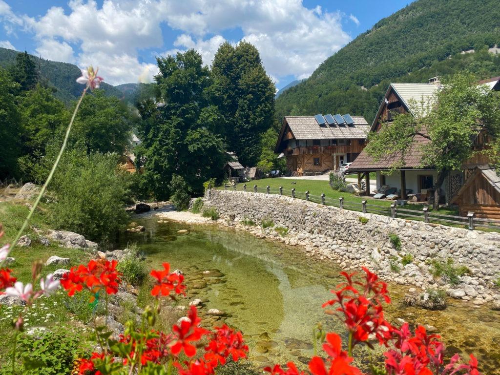 Stara Fužina Village alpin en Slovénie